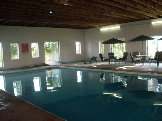 Cavendish Gateway Resort: The swimming pool