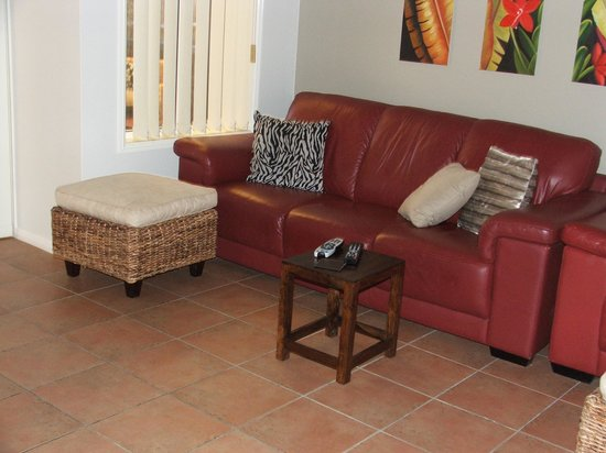 Avon Lodge Bed & Breakfast : Sit down and relax with a bit of TV