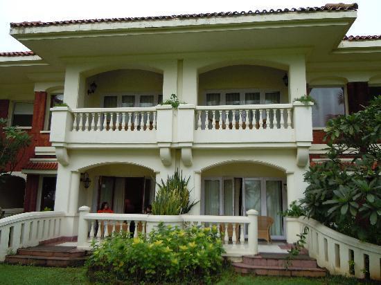 Taj Exotica Resort & Spa Goa: Villa from oustide