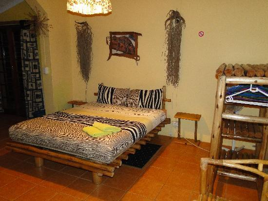 Kuboboyi River Lodge: La chambre