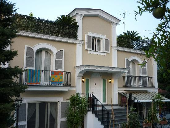 Villa Adriana Guesthouse Sorrento: Villa