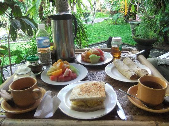 Padma Ubud Retreat: Breakfast!
