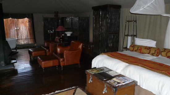 Camp Shonga: Luxury tent of bygone area...