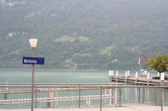 Lake Brienz: ブリエンツ駅前の船着き場