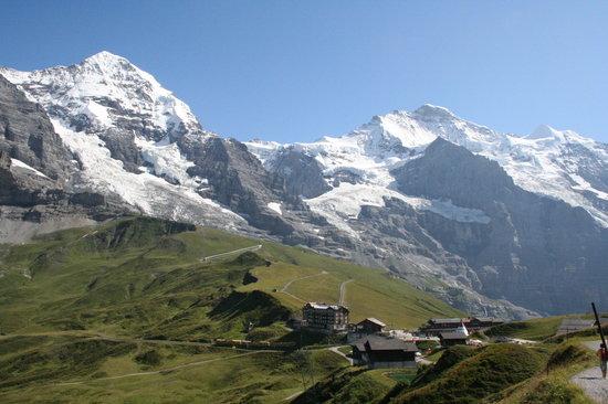 Jungfrau Region, Switzerland: クライネシャイデック遠景