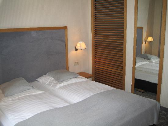 Townhouse Hotel: Townhouse double room 2