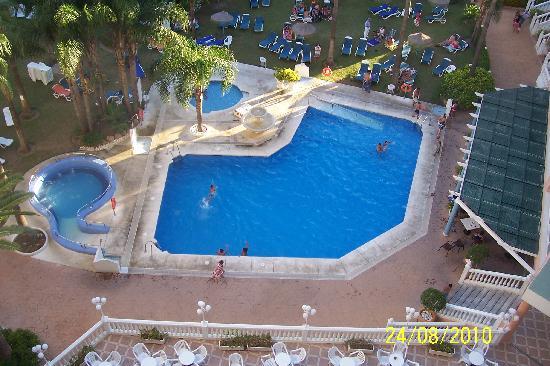 Hotel Parasol Garden: piscina tranquila