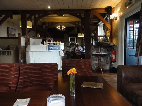Premier Inn Gravesend (A2/Singlewell) Hotel: Very good value bar meals