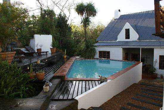 Cypress Cottage: La piscine