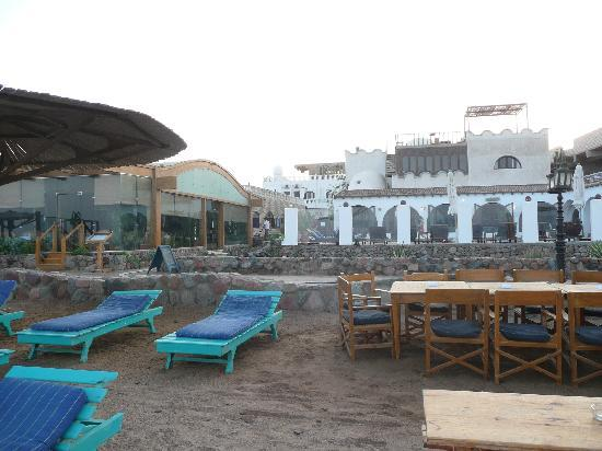 Blue Beach Club: Hotel looked from beach