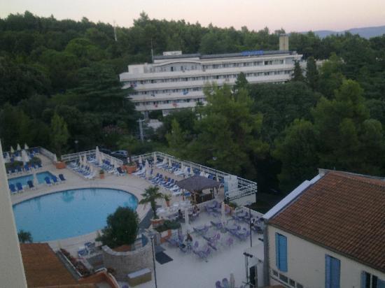 Hotel Miramar: vista piscina da camera