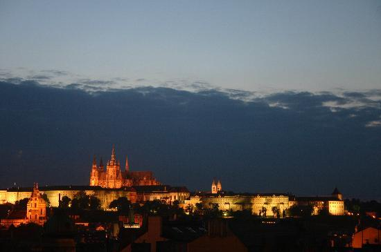Residence Karolina - Prague City Apartments : The castle as seen from our apartment at night