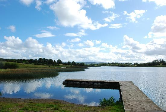 Lough Arrow Touring Park: Loch Arrow right outside your door