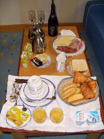 Costa De Los Pinos, Spain: Desayuno en la habitación