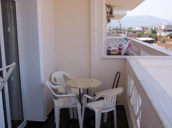 Yiannis Manos Apartments: Balcony