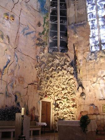 Palma Cathedral Le Seu : Gaudi Wall