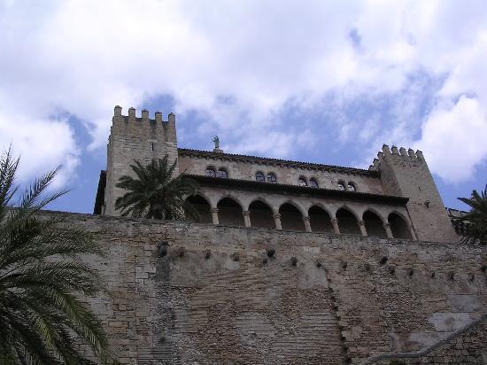 Paseo del Borne: Palace of Almudaina