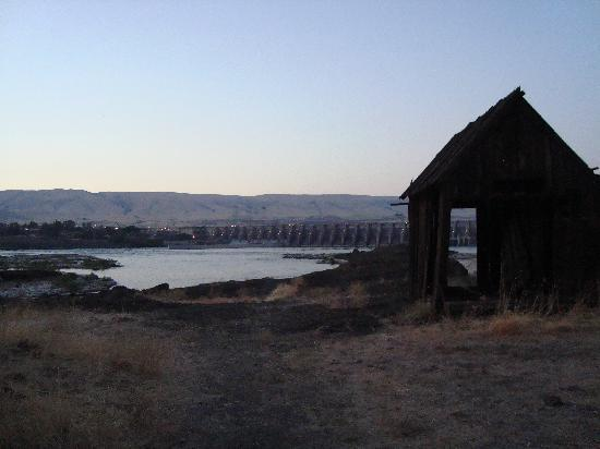 Shilo Inn & Suites - The Dalles: the view of the dam