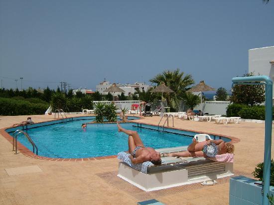 Golden dream apartments bewertungen fotos for Swimming pool preisvergleich
