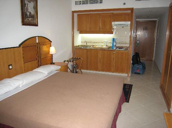 Thb Dolphin Hotel Apartments In Dubai