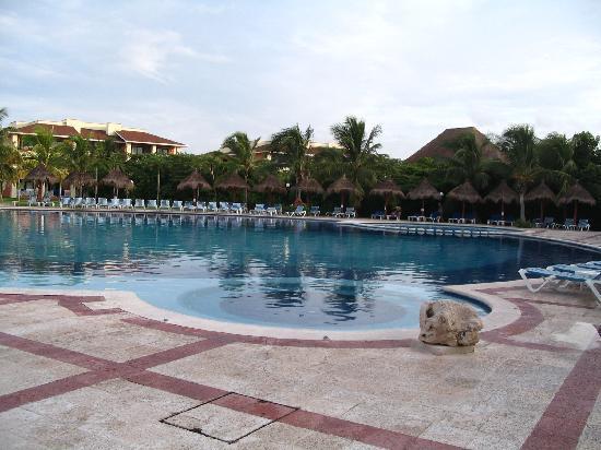 Grand Bahia Principe Coba: Piscine
