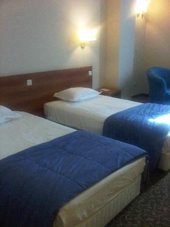 Golden Tulip Varna: The beds in the room
