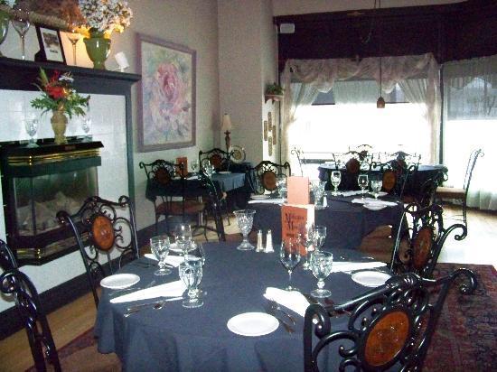 Restaurant at Mohegan Manor: Dining Room