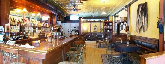 Restaurant at Mohegan Manor: Lounge