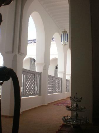 Riad El Kenz : voûtes dans le couloir donnant aux chambres