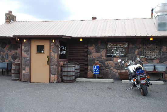 Benton, KY: Front door to Catfish Kitchen