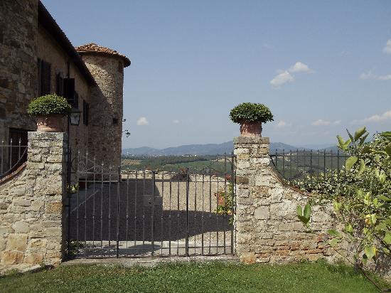 Castello di Gabbiano: View