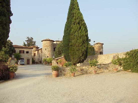 Castello di Gabbiano: View 3