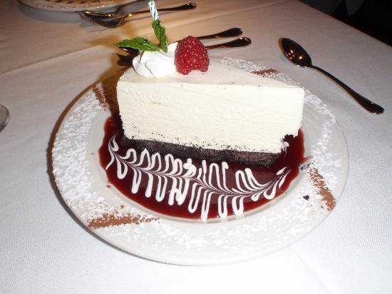 Evan's American Gourmet Cafe : frozen white chocolate .. YUM!
