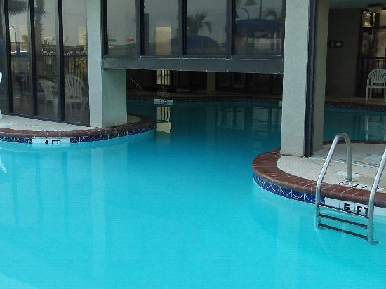 Windsurfer Hotel: pool again