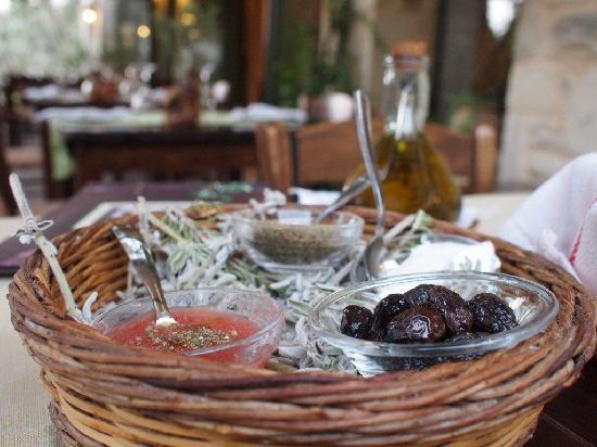 Eleonas: traditional food