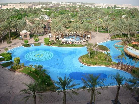 Emirates Palace: pool and water park