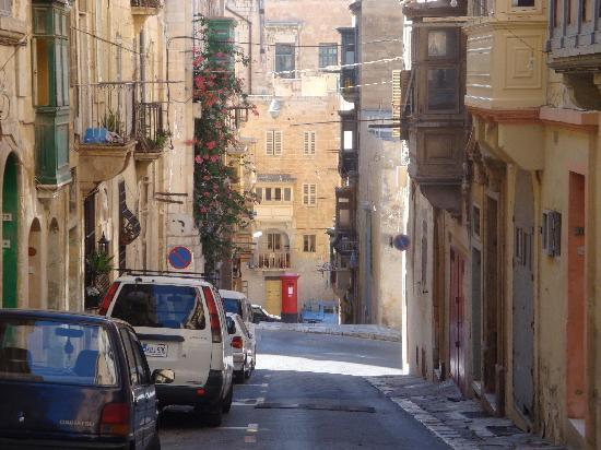 Qawra Palace Hotel: Valletta