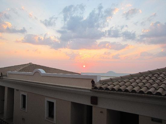 Regina Dell Acqua Resort: Sunrise from Room