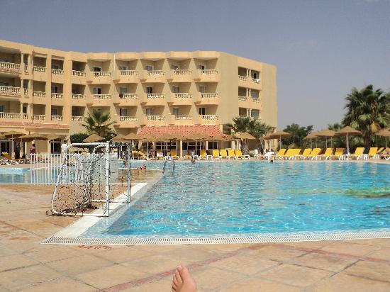 Houda Yasmine Hammamet : piscine de l'hotel