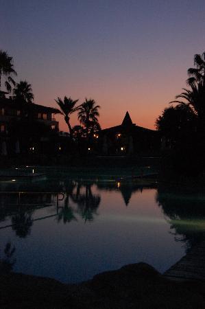 Eden Playa: The bar/restaurant at sunrise