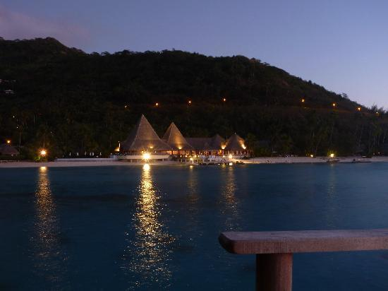 Sofitel Moorea Ia Ora Beach Resort : Looking towards resort from OWB 215