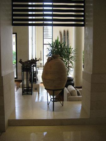 Park Hyatt Jeddah - Marina, Club & Spa: More lobby area