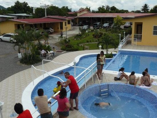 Penonome, Παναμάς: piscina y jardín tropical en tu hostal