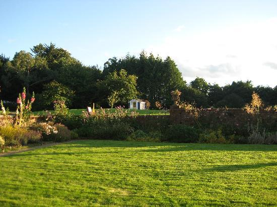 Dunbrody Country House Hotel: the grounds