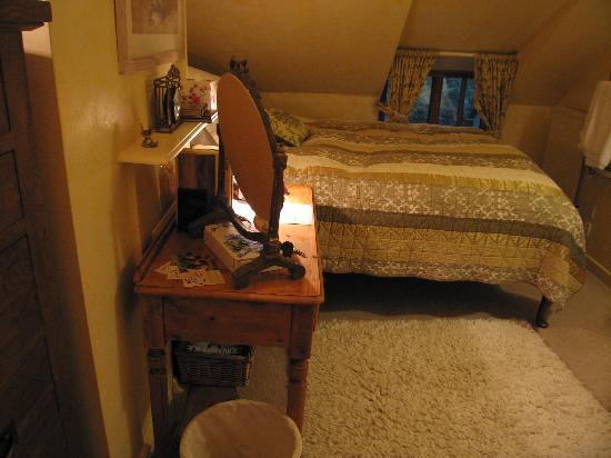Rock Cottage B&B: Cosy Bedroom - The Wren's Nest