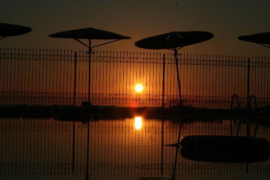 El Mouradi Club Selima: le lever du soleil