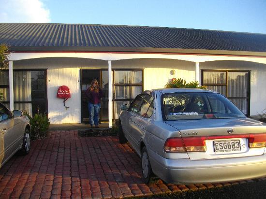 Norfolk Motel and Campervan Park: our room