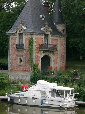 Port de plaisance de Sarreguemines: Boot mit Turm