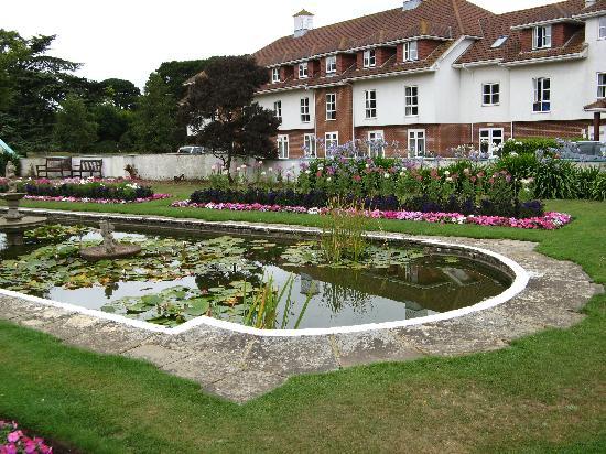 Warner Leisure Hotels Bembridge Coast Hotel: Spanish Gardens