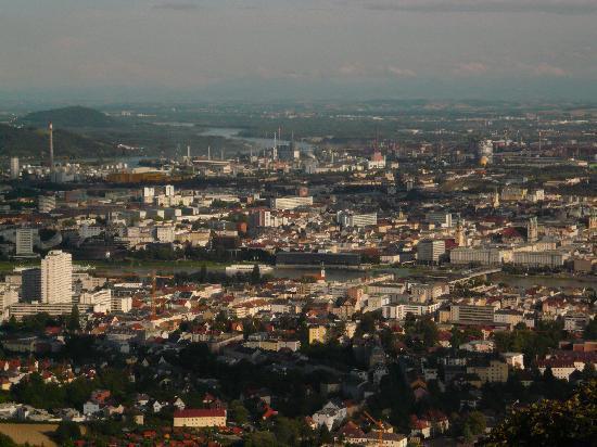 Linz, Austria: Blick vom Pöstlingberg